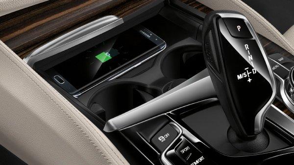 Беспроводная зарядка в BMW будет ли iPhone 8 иметь ее?