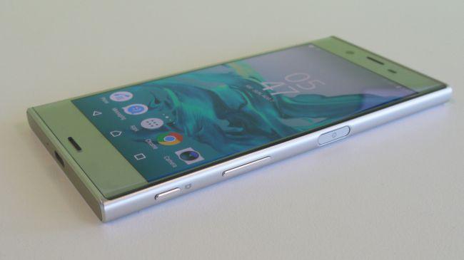 Sony Xperia XZ фото внешний вид