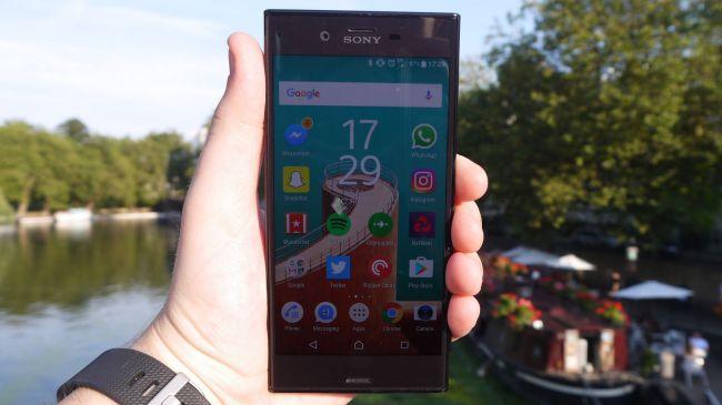 Дисплей Sony Xperia XZ