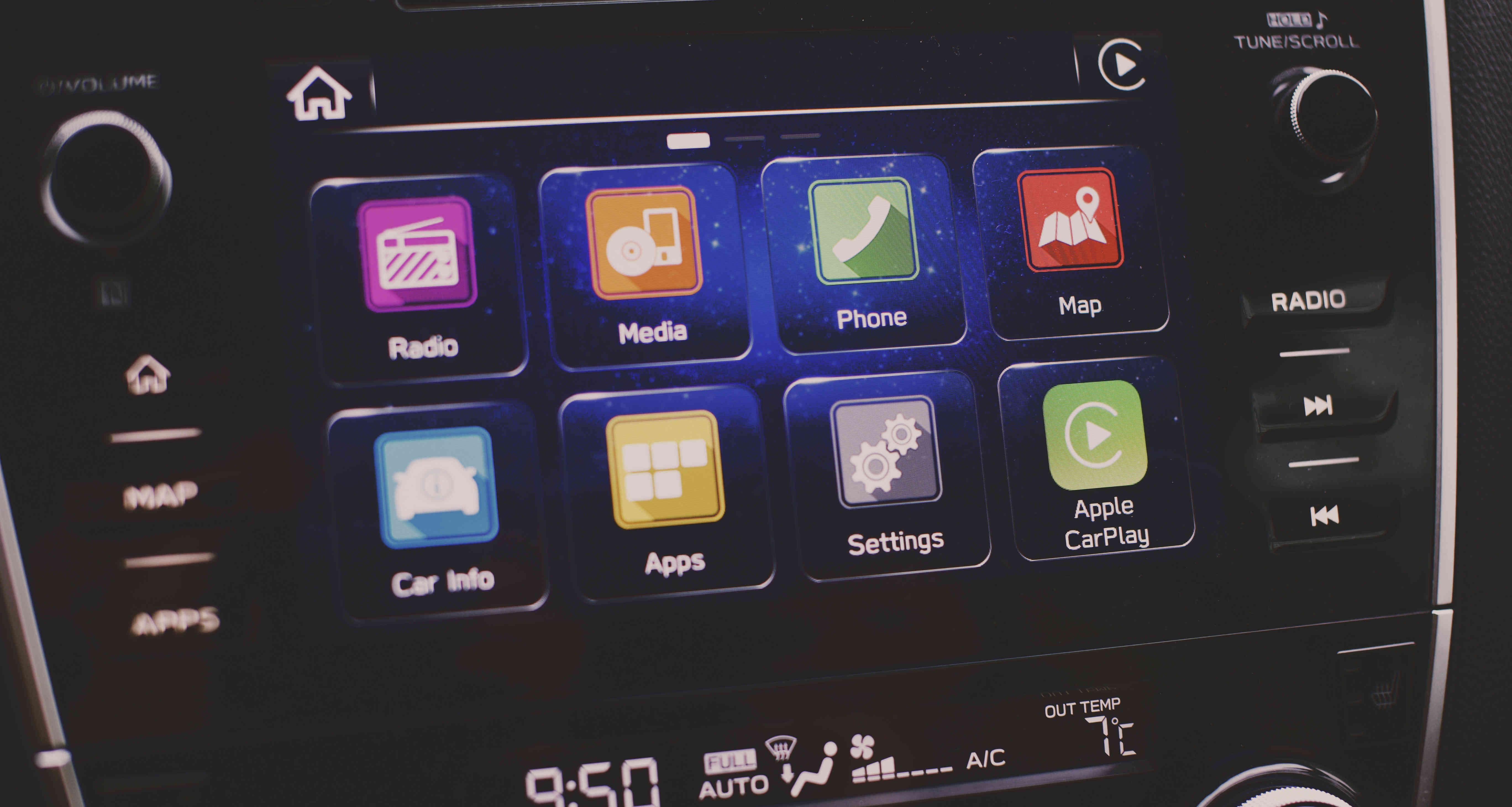 как работает Siri в машине